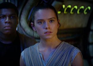 Rey-The-Force-Awakens-with-Finn.jpeg.CROP.promo-xlarge2