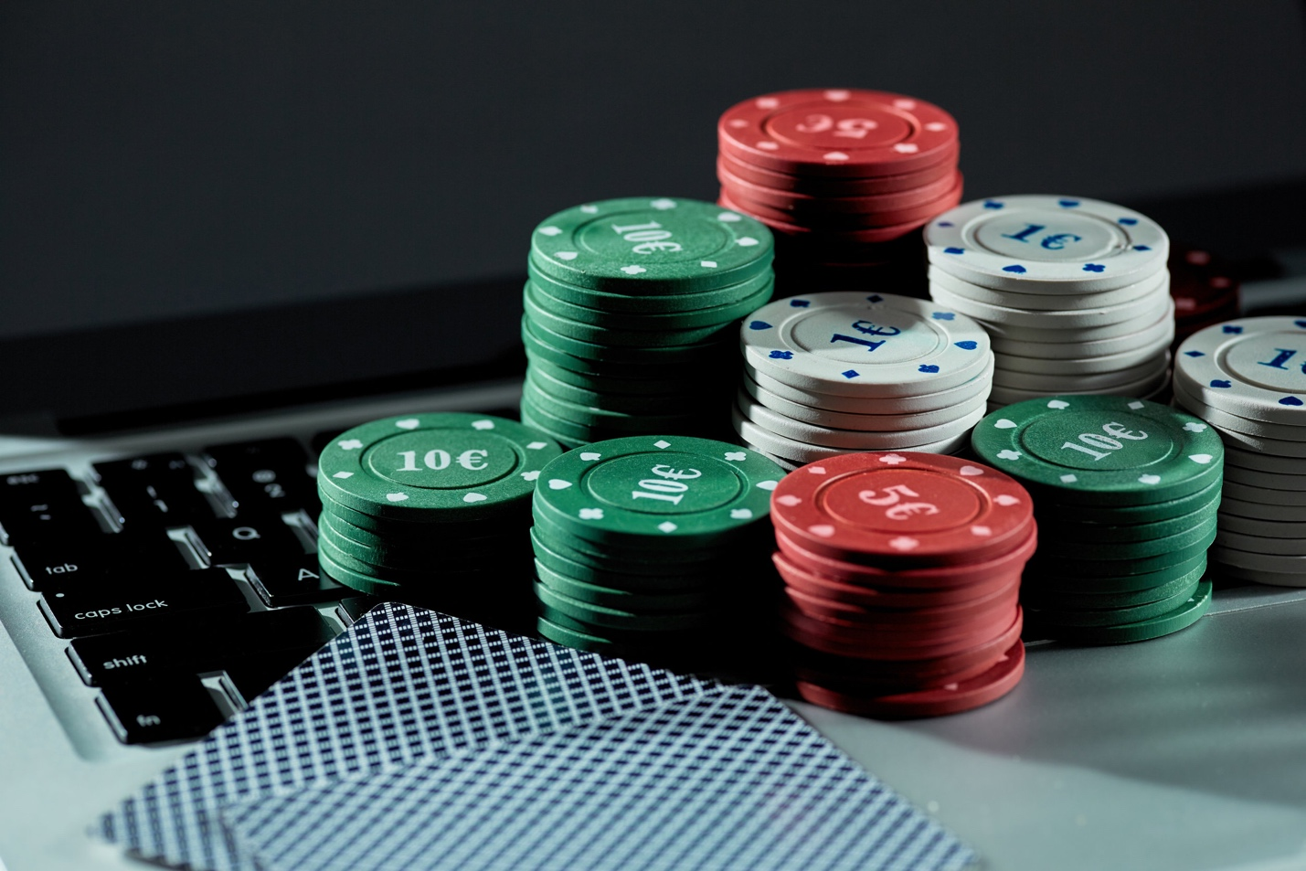 A close-up of poker chips  Description automatically generated with medium confidence